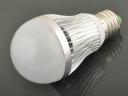 E27 9W 900Lm White LED Bulbs